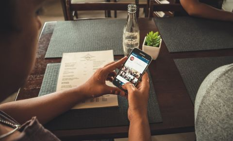 instagram-image-phone-social-mediajpg