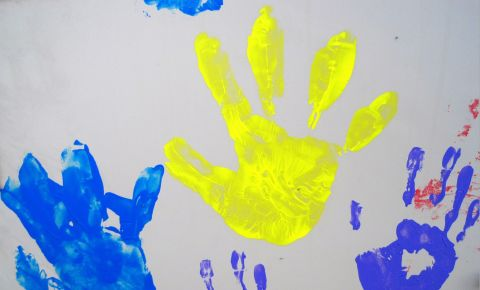paint-printed-hands-of-childrenjpg