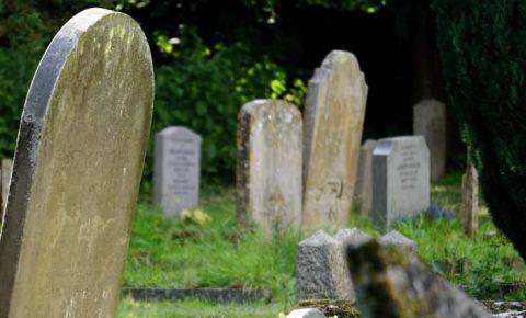 cemetery-tombstone-gavesite-pexels-free-imagejpg