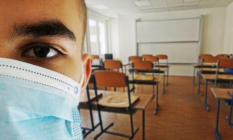 classroom covid-19 coronavirus mask school