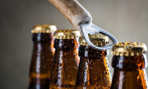 liquor-sales-alcohol-beer-booze-drinking-consumption-drinks-bottles-123rf