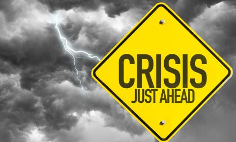 Crisis just ahead dark clouds thunderstorm 123rf 123rfbusiness