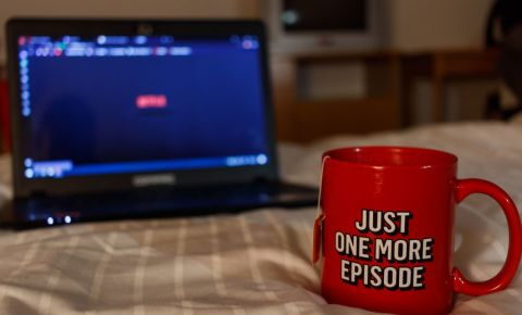 Netflix binge watching 123rf 123rflifestyle 123rfbusiness