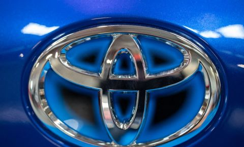 Toyota-car-logo-vehicle-automotive-industry-car-manufacturers-123rf