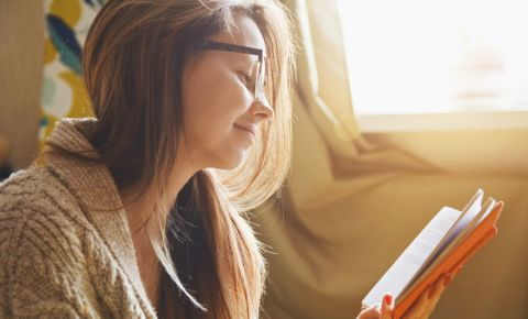 reading-woman-novel-book-glasses-story-literature-123rf