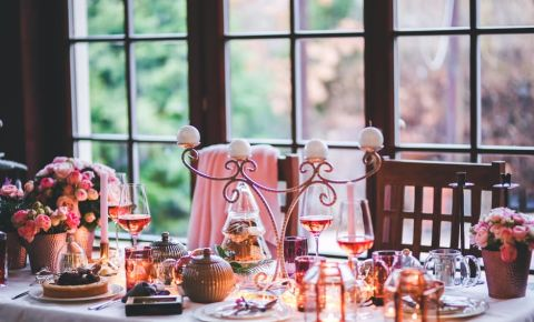 food-holiday-love-holidays-family-dinner-tablejpg