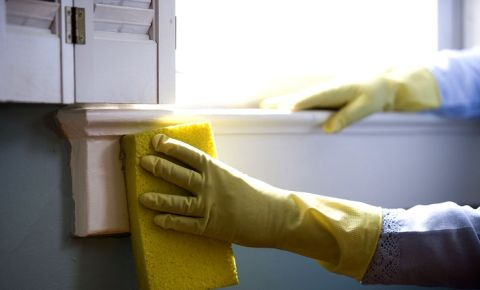 cleaner-domestic-worker-house-keeper-yellow-glovesjpg