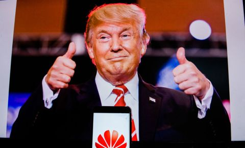 Donald Trump Huawei 123rf 123rfbusiness