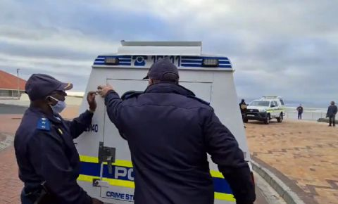 surfers-corner-police-arrest-protester-muizenberg-image-murray-williamspng