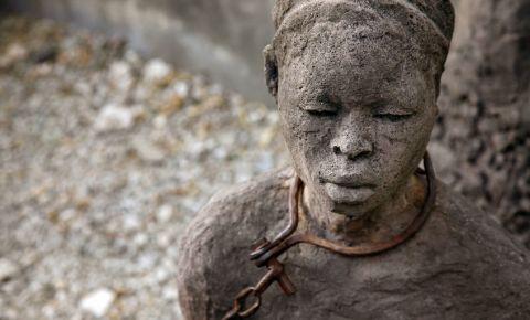 African slave trade statue Stone Town Zanzibar 123rf 123rflifestyle 123rfworld