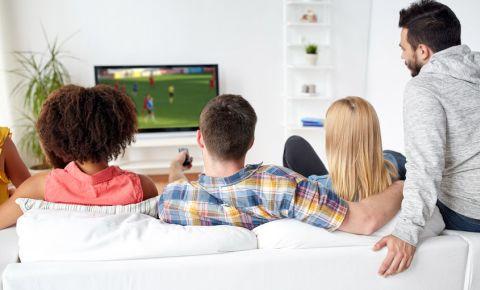 sport-friends-watching-live-sport-tv-football-fans-soccer-team-match-game-123rf