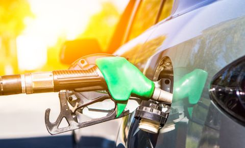 fuel-tank-petrol-car-motorist-driving-driver-refuelling-123rf