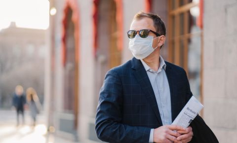entrepreneur-businessman-business-owner-ceo-manager-work-Covid-19-mask-123rf
