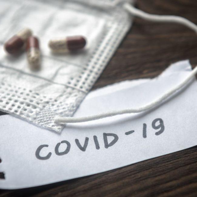 covid-19-coronavirus-face-mask-virus-transmission-health-pandemic-medical-123rf