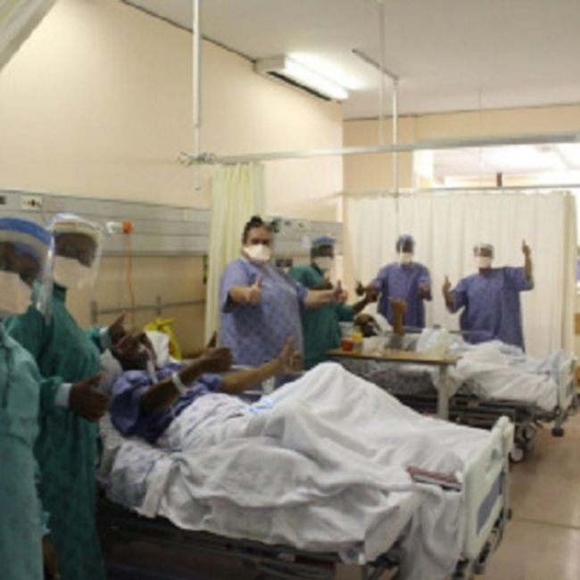 hospital-patients-recover-from-icu