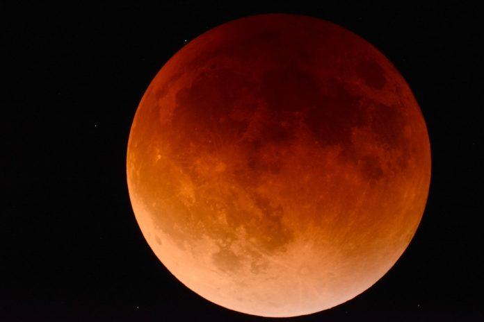 What you need to know about tonight's 'Blood Moon' eclipse - 702