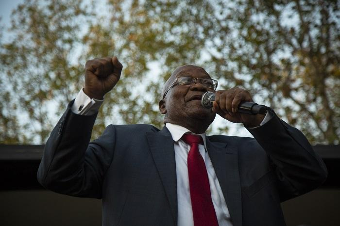 Former President Jacob Zuma outside the Pietermaritzburg High Court addressing supporters on 20 May 2019. Picture: Sethembiso Zulu/EWN